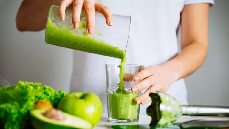 Suco detox não desintoxica; veja benefícios reais e receitas da bebida